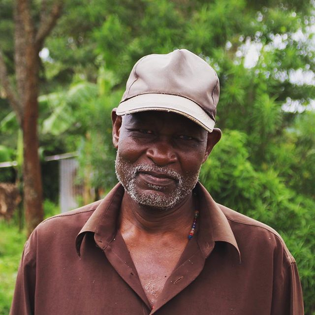 This is Chairman Stephen! He leads the village of Kyerima. We have been working alongside him and his community for the past few years to meet their spiritual, practical, medical and educational needs. Chairman Stephen has embraced us with open arms and is so grateful for our assistance. We know him to be a faithful, dedicated and strong leader for his people. We are honoured to know him and partner with him for the greater good of his community. We are currently raising funds to establish a Village Bank and a Co-Op with the villagers. At present, farmers are trapped by only having limited access to sell their wares to potential buyers. Unfortunately, these buyers are not nice guys and take advantage of the vulnerability of the sellers' situation.  For example, in the middle of growing season, one farmer's son became very sick and urgently needed medical intervention. The farmer approached his buyer to ask for an immediate advance payment for his maize (prior to harvest time) in order to be able to afford his son's treatment. The buyer's response to this was to lock the farmer into an agreement where he had to accept the buyer's terms of purchasing his total crop at a 1/3 of market value that was offered at the time of harvest. If African Hearts could offer an alternate market as well as a Village Bank to lend through, this kind of exploitation can stop. None of what we are trying to achieve is rocket science. It's amazing how something so simple as a Village Bank, could solve huge problems like the exploitation of desperate families. If you would like to support our Village of Hope more, as well as any other African Hearts Projects directly, please click on the link in our bio 🌍❤️