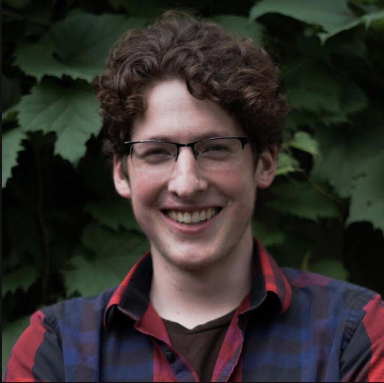 Daniel elder: - Multimedia Producer