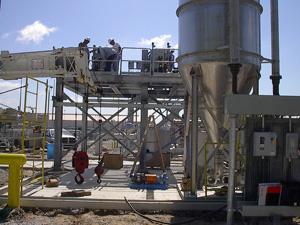 AmStar-dewater-filter-installation-6-5-09-20091.jpg