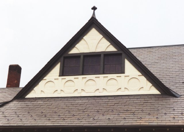 Detail of the dormer windows in this model. Compare these with the dormers at the Cambridge station. The stations are similar in overall design, but very different in the details.