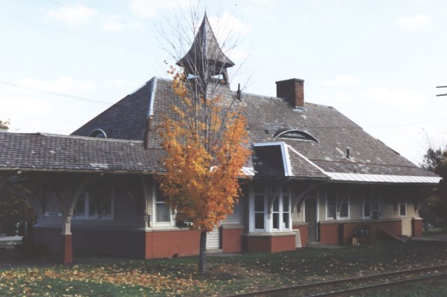 Altamont station as seen from the track side in 1996. Due to a gas station and dense growth along the track, a better angle was not possible. This station now serves as a dentist's office.