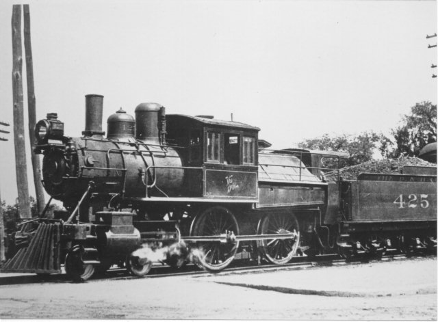 D&H 425 TYPE:  4-4-0 (Double Cab)  CLASS:  G-3   NOTES:  Manufactured by Dickson for the Albany and Susquehanna in 1867, the locomotive was rebuilt in 1898 by the D&H Green Island Shops and was scrapped in November of 1926.  (John Shaw Collection)