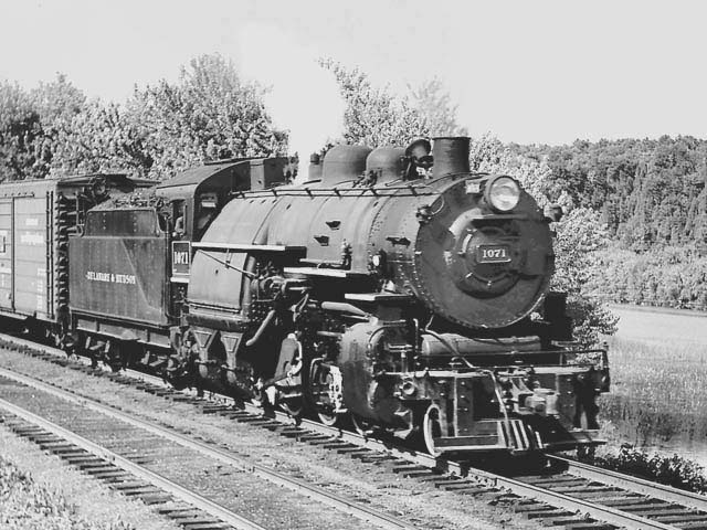 D&H 1071 TYPE:  2-8-0  CLASS:  E-5  DATE:  7/1/48  LOCATION:  Putnam. NY  NOTES:  With southbound freight.  PHOTOGRAPHER:  Jim Wright