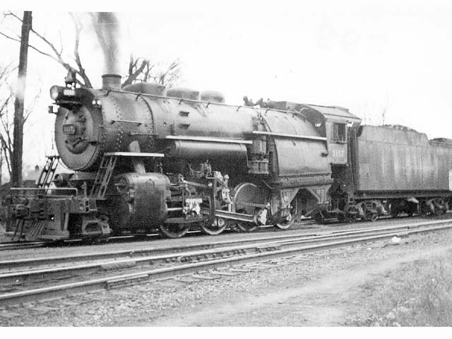 D&H 1117 TYPE:  2-8-0  CLASS:  E-5a  DATE:  1946  LOCATION:  Fort Edward, NY  NOTES:  On northbound freight.  PHOTOGRAPHER:  Jim Wright