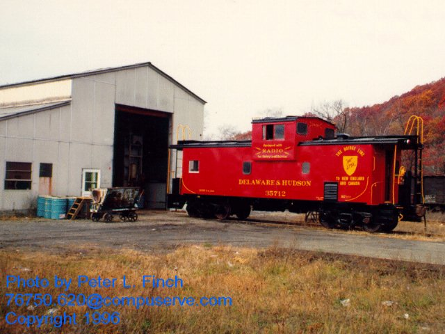 D&H 35712  1996.  Photo by Peter L. Finch.