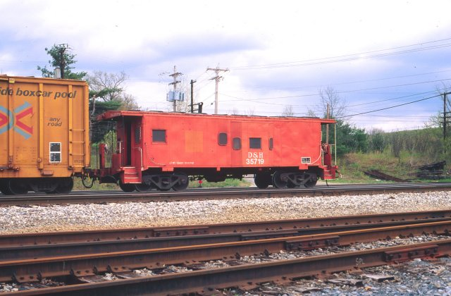 D&H 35719  May 1991 in Saratoga Yard, Saratoga, NY.  Photo by Chris Shepherd.