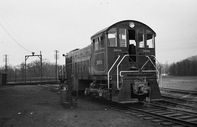 D&H 3001  Mechanicville, NY  Note the slotted knuckle.  Photograph collection of Scott J. Whitney.