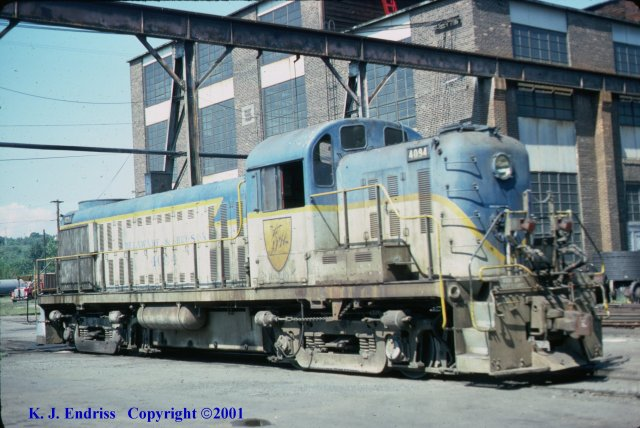 D&H 4094  In Lightning Stripe at Colonie in October, 1977.  Kevin J. Endriss photo.
