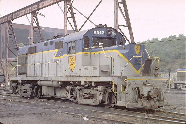 D&H 5012  Unit #5012 at Colonie, NY 9-28-71