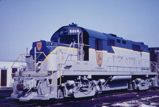 D&H RS-36 #5014 in lightning stripe at Oneonta in 1966.  Jay Winn collection