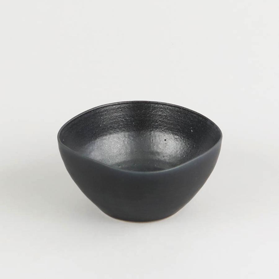 ves-shopify-black-teabowl-01.jpg