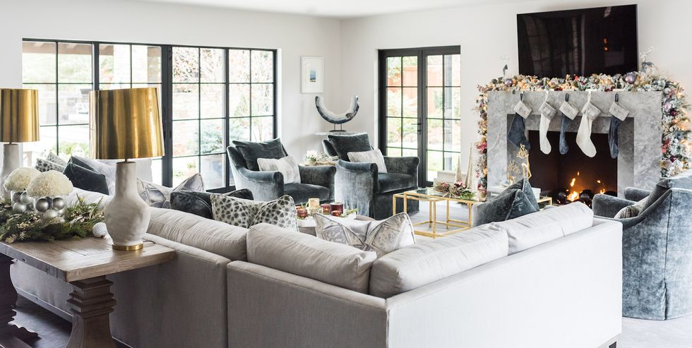 Elle Decor - 20 Chic Christmas Living Room Decor Ideas That Make A Statement