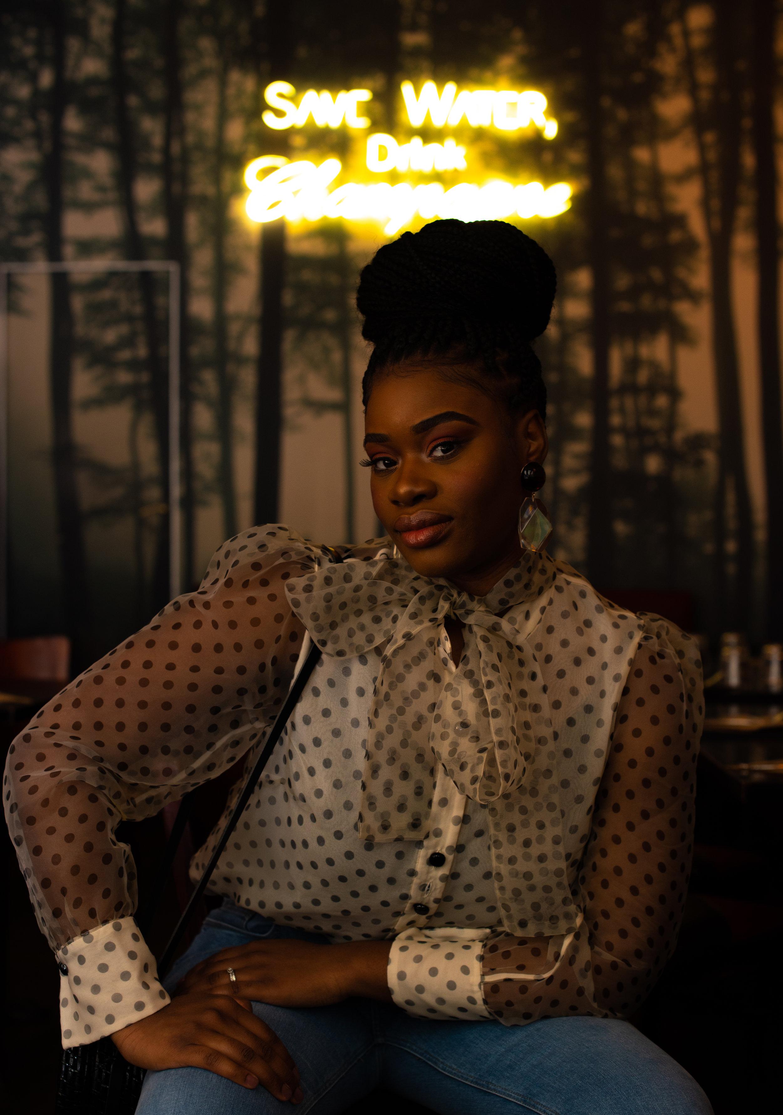 Portrait de… - Tracy Diakidi