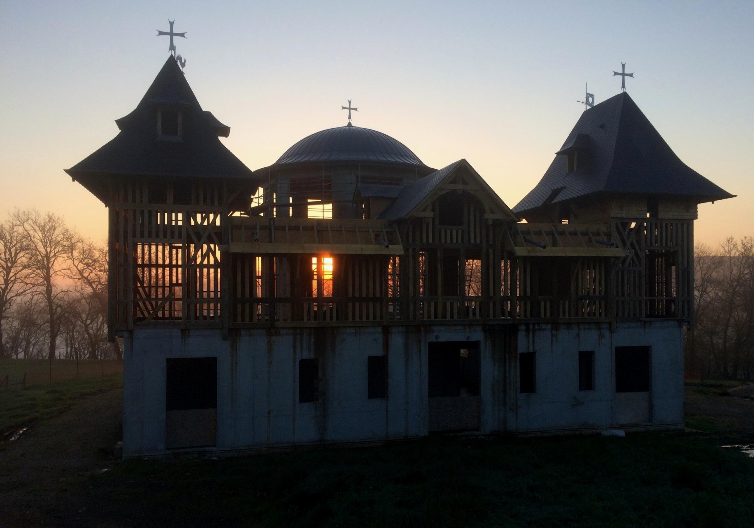 Construction d'un monastère Orthodox proche de Terrasson-Lavilledieu