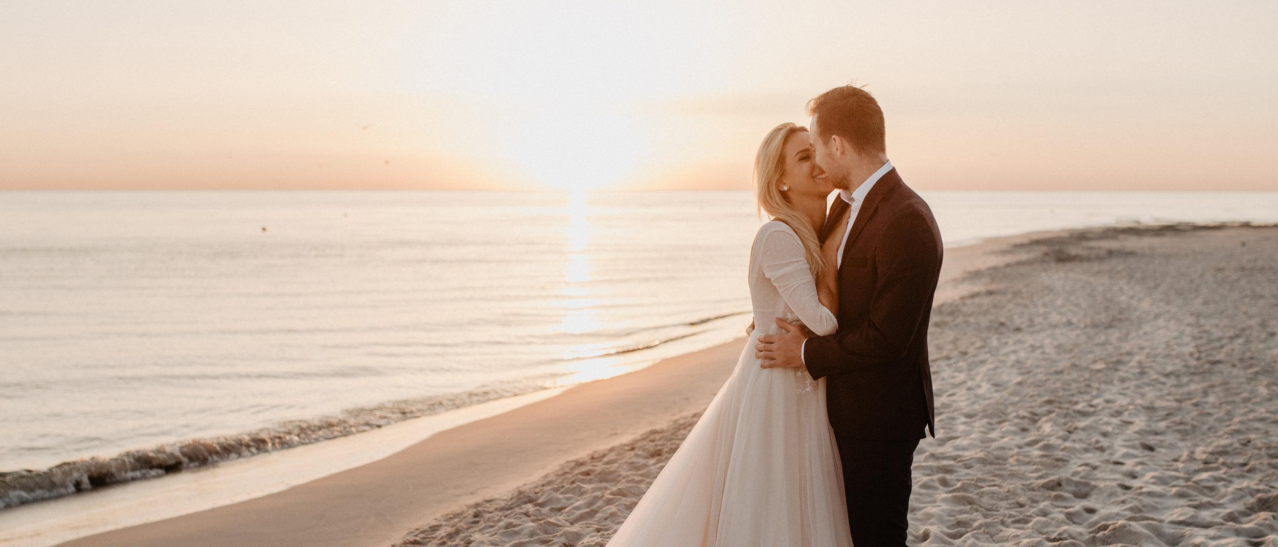 ANETA & MICHAL CINEMATIC WEDDING FILM - Tym razem nie tylko weselnie ale i rodzinnie. Poznajcie Anetę, Michała i ich małego cudownego Kacperka, który sprawia niesamowite uśmiechi i tak szczere emocje, że trudno przekazać słowami.