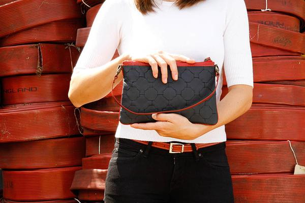 F_H_Clutch_Lifestyle_Navy_red_web_grande.jpg