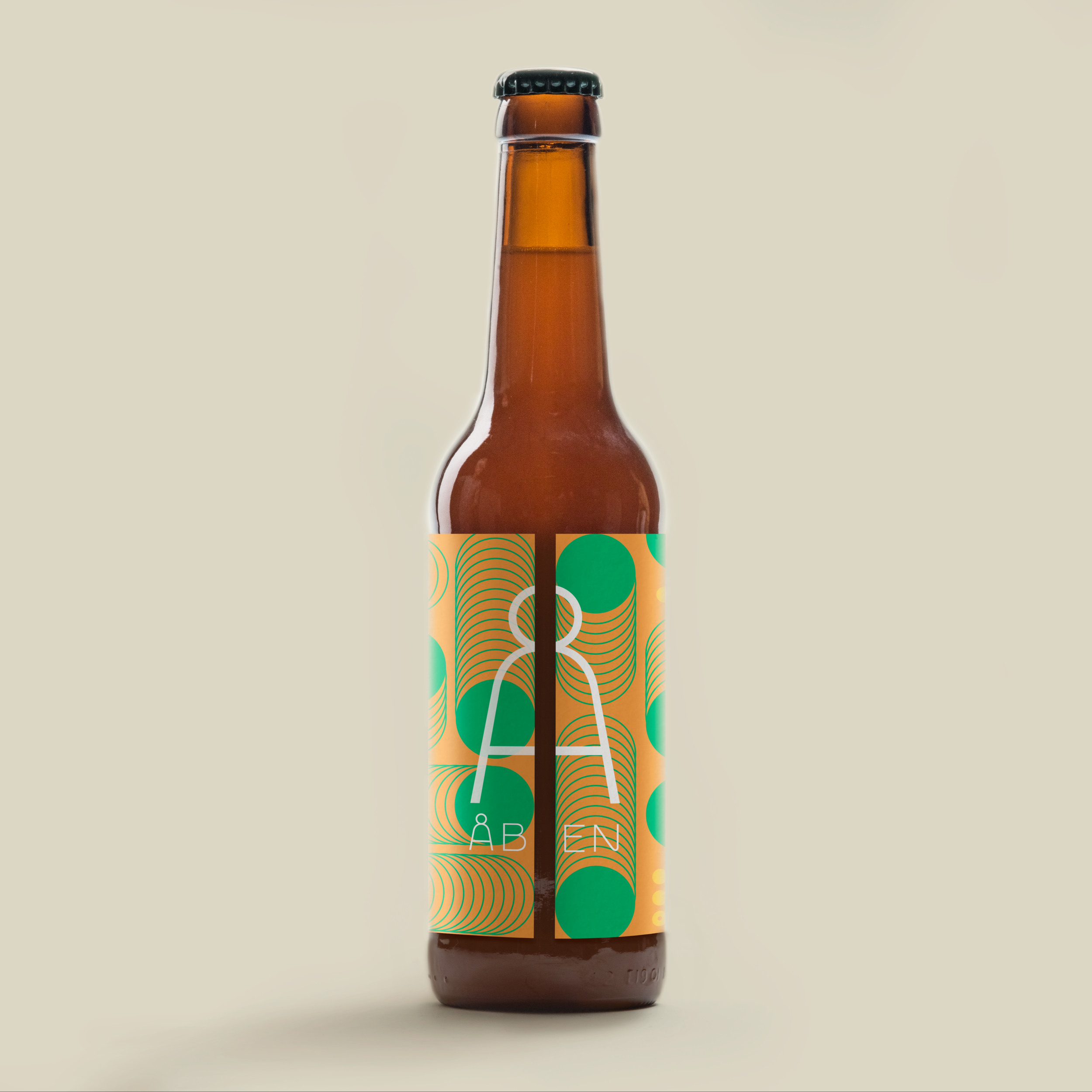 SUNDANCER - PINEAPPLE EDITION  / Oat Cream IPA / 8.1%  Regular Edition, 2019   Heavily hopped and full-bodied Oat Cream IPA, brigth as the summer sun, and hazy as mango juice. With Pinapple.