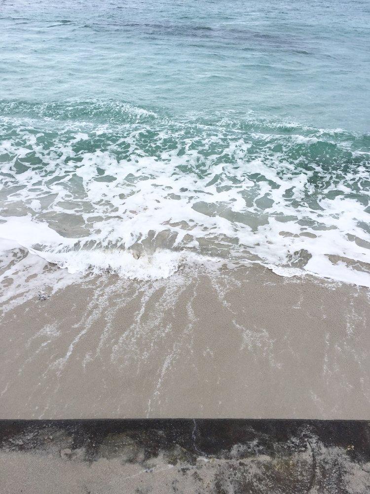 April+2_18+-+Fun+high+tide+swim+with+Lizzie+at+Cobo+-+1.jpg