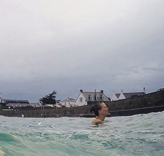 April+2_18+-+Fun+high+tide+swim+with+Lizzie+at+Cobo++-+2.jpg