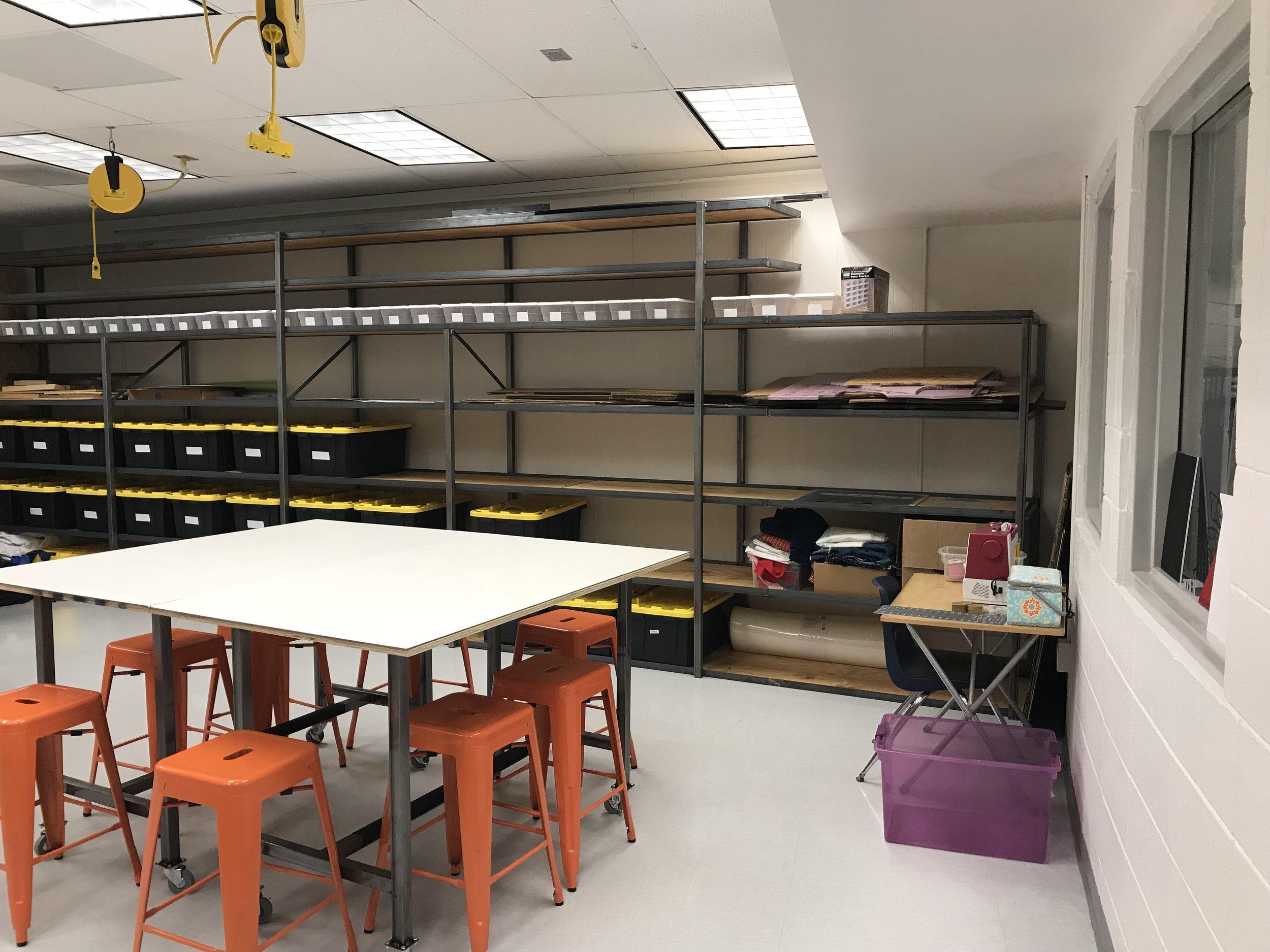 Storage unit and custom table