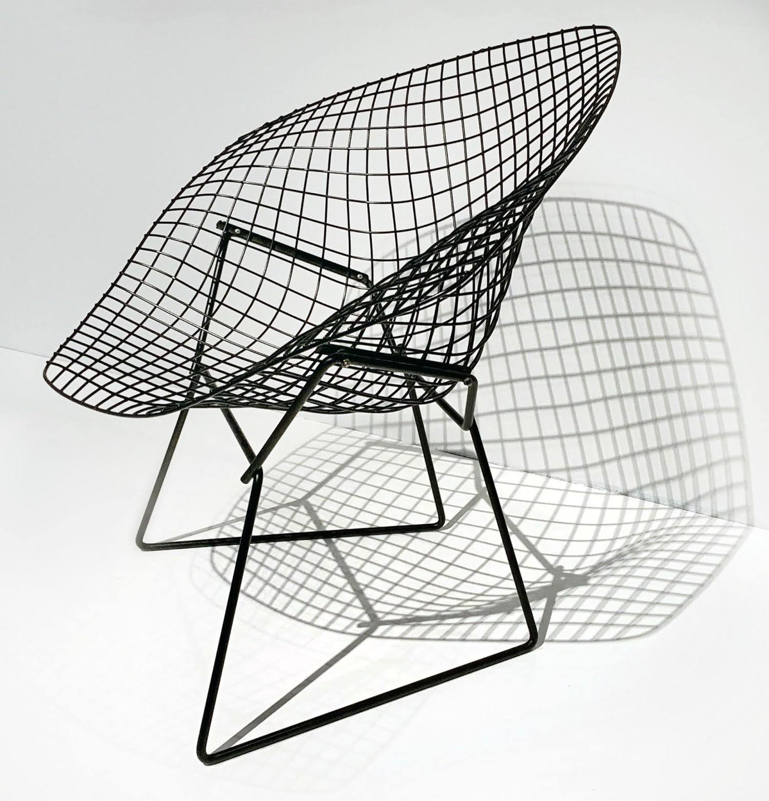 Wire-grid Bertoia chairs, circa 1952, Milwaukee Art Museum #2019dogwood52 #dogwoodweek3 #dogwood52