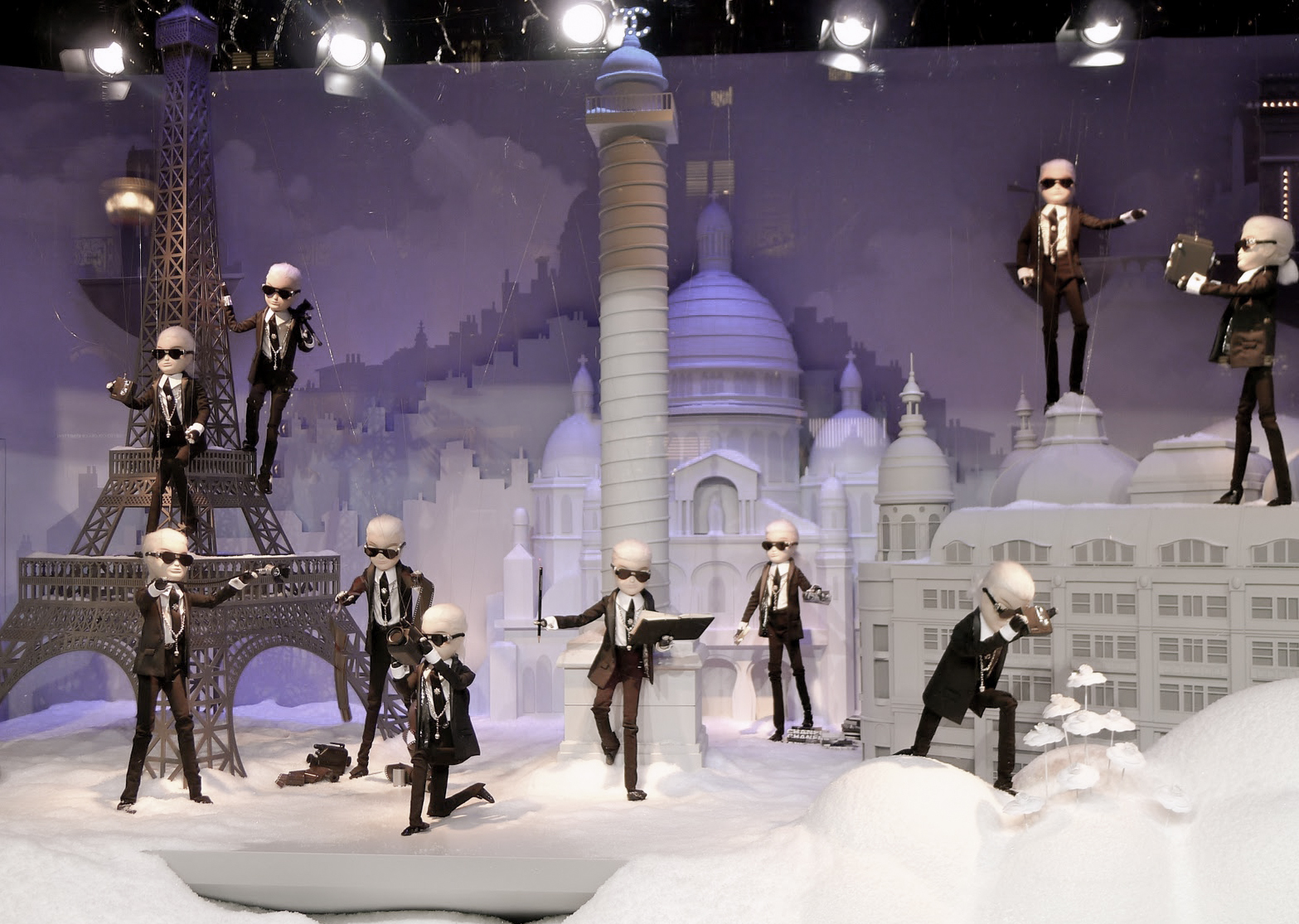 Karl Lagerfeld - Printemps 2011.jpg