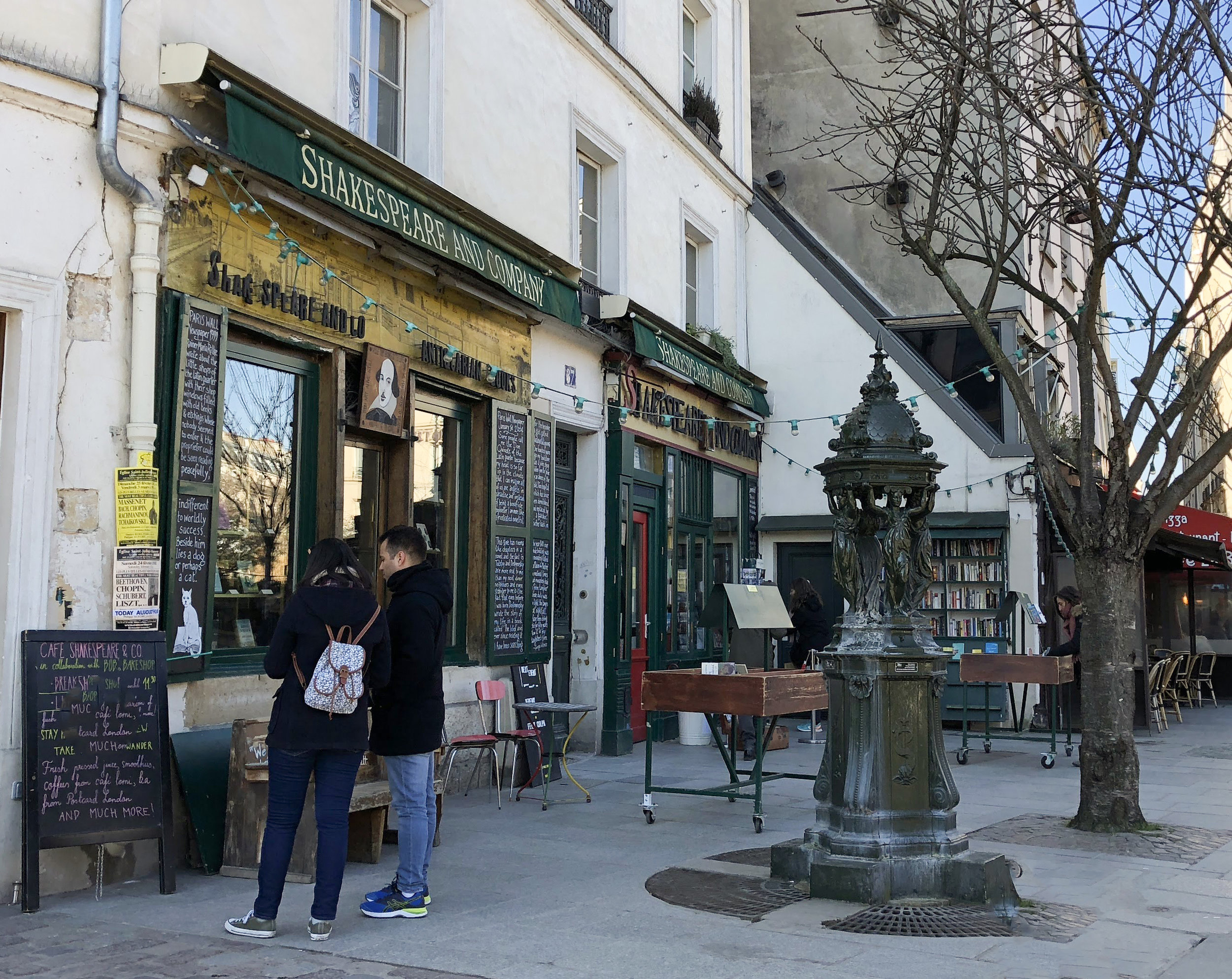 Wallace Fountain in front of Shakespeare and Company