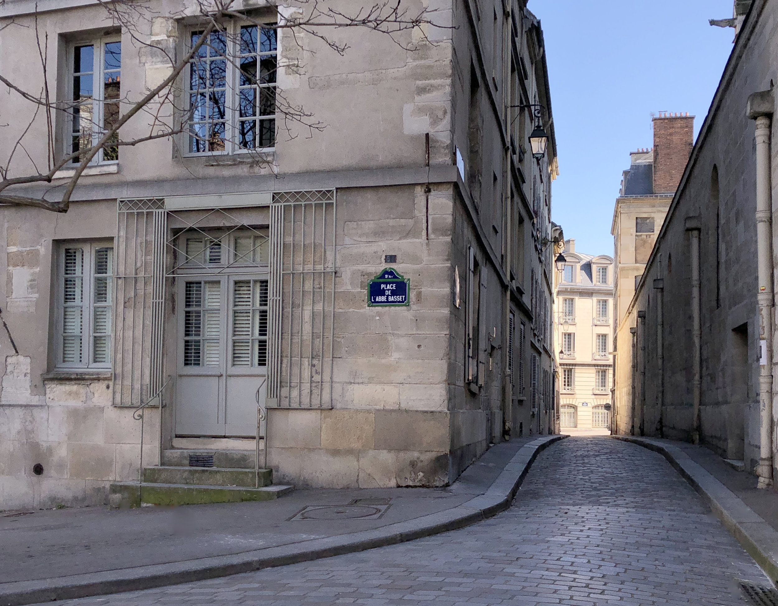 You look down this street to see a vintage Peugeot approaching. The car pulls over to invite you into Paris of the 1920s — Hemingway, Scott and Zelda, Gertrude Stein, Picasso, Dali, Josephine Baker, Man Ray…