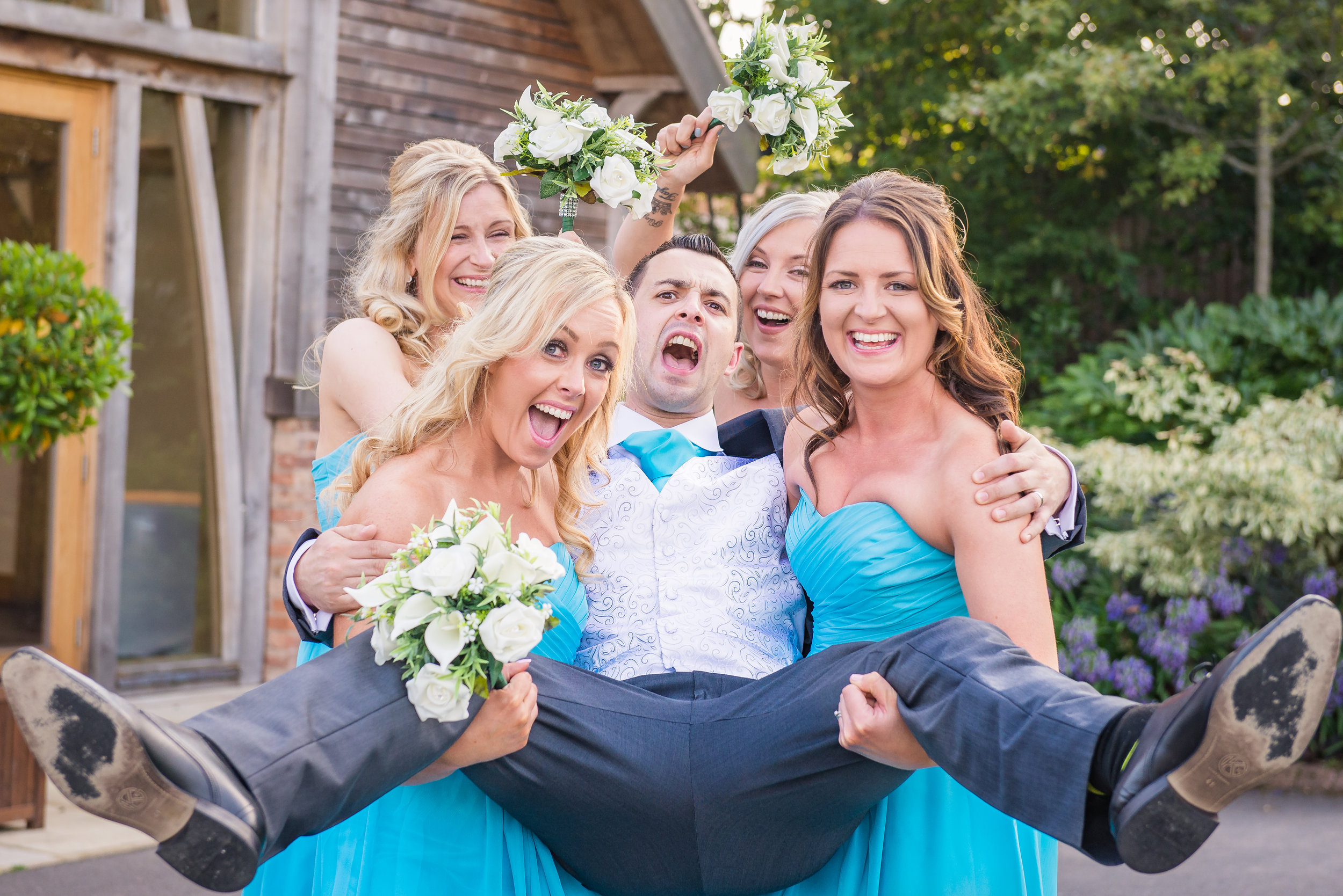 Wedding Family & Formal Gallery - Family and formal photography can be a lot of fun. I love capturing moments between loved ones that families would be proud to showcase on a canvas on their walls