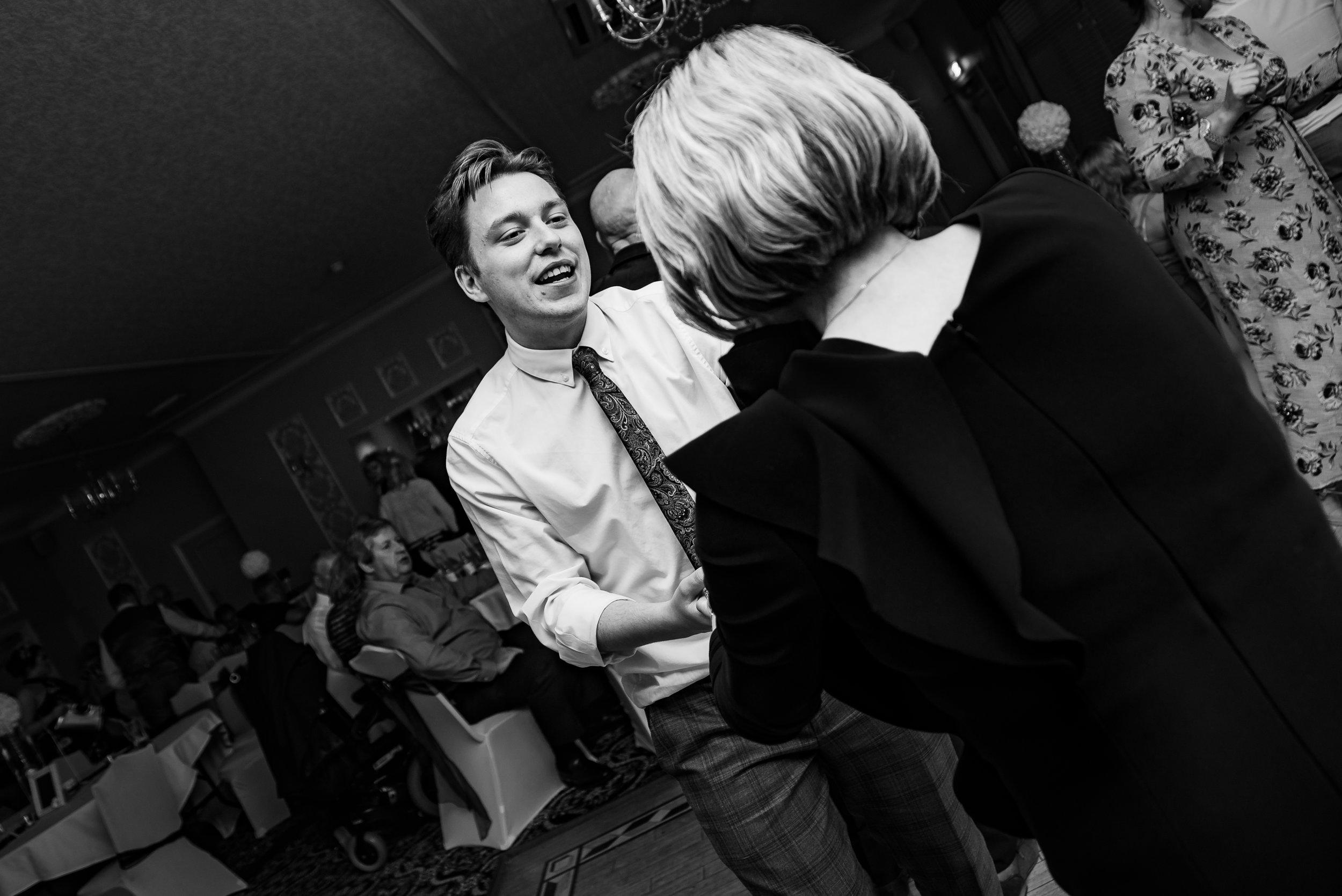 wedding photography show us them moves dana lewis