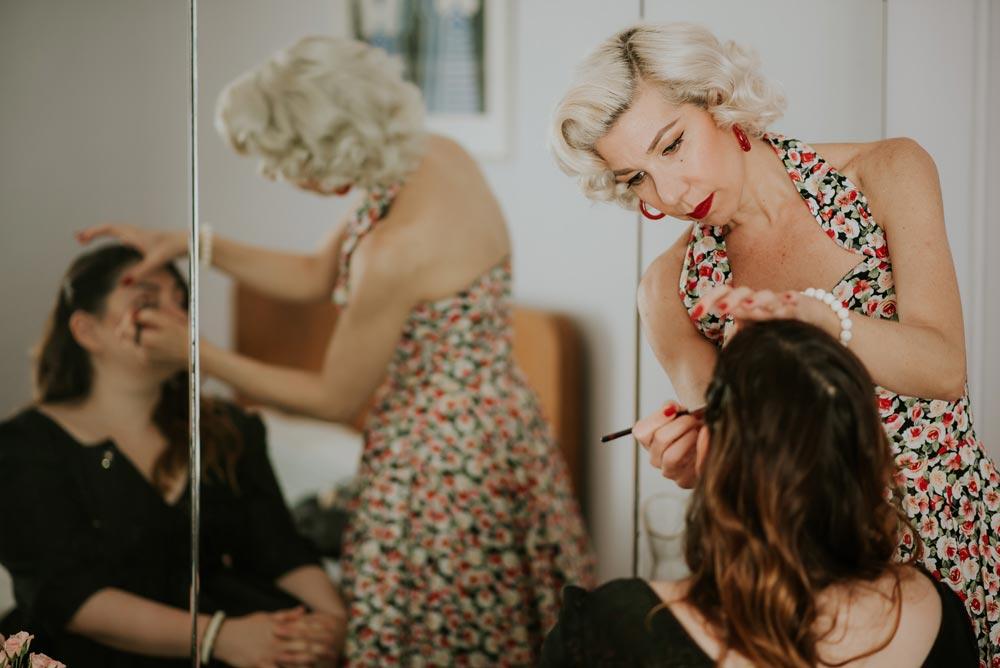 Οι συνεργάτες μας - Θέλετε να κάνετε τη μέρα σας ακόμα πιο ξεχωριστή; Τι θα λέγατε για ένα επαγγελματικό μακιγιάζ ή χτένισμα σε vintage στυλ ή ένα vintage φόρεμα ραμμένο στα μέτρα σας;Ακόμα, μπορούμε να σας φέρουμε σε επαφή με έναν επαγγελματία φωτογράφο για να φωτογραφίσει το party σας ή τους graphic designers μας για να σας σχεδιάσουν μια ηλεκτρονική ή τυπωμένη πρόσκληση για τους καλεσμένους σας.