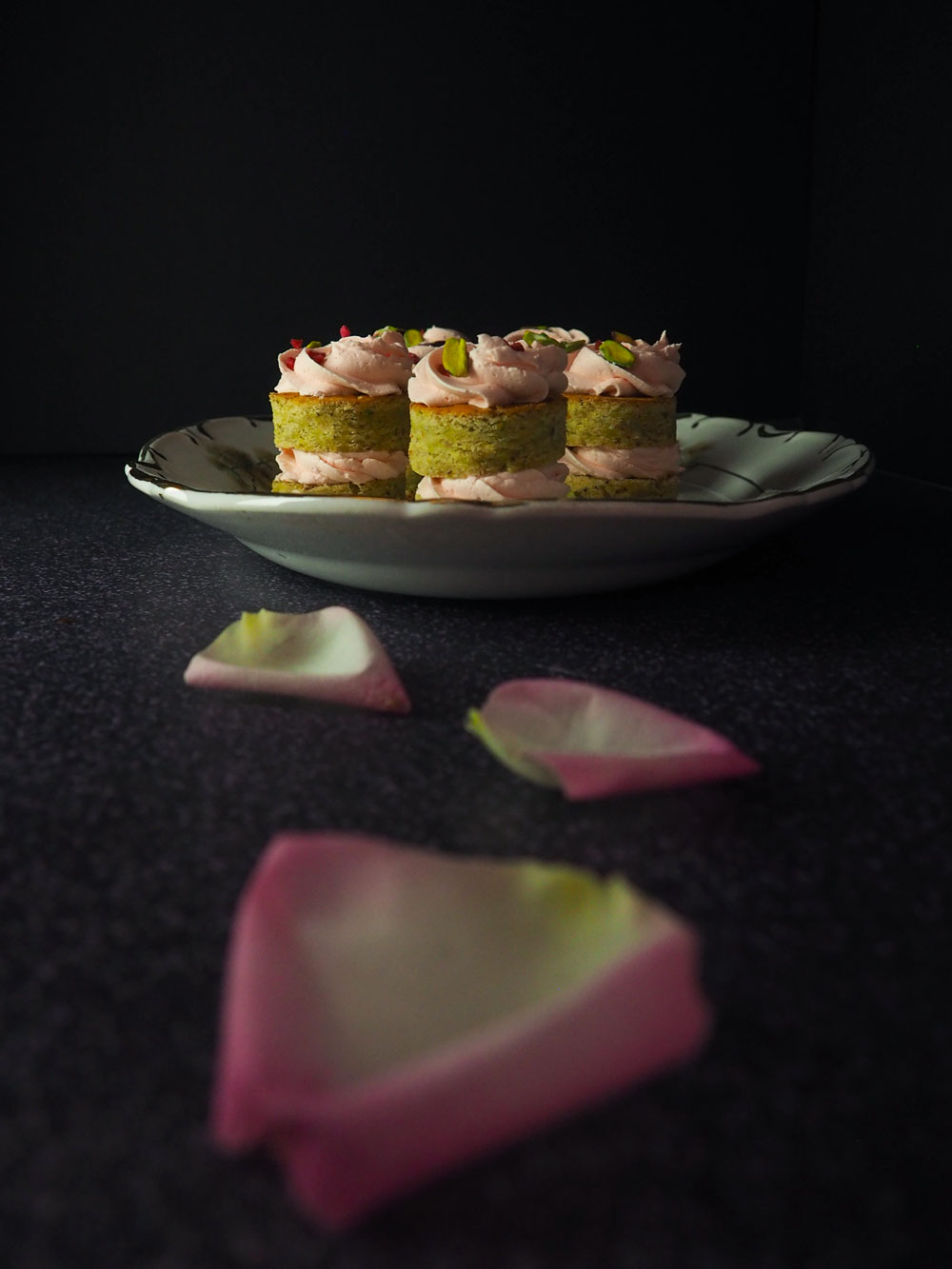 persian-lovecakes-4.jpg