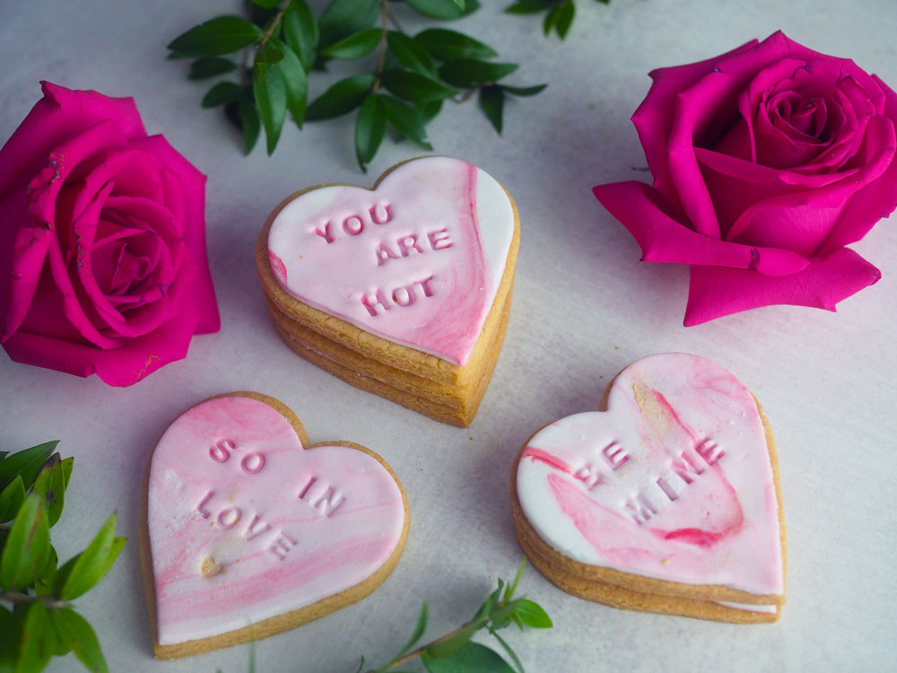 heart-message-biscuits-3.jpg