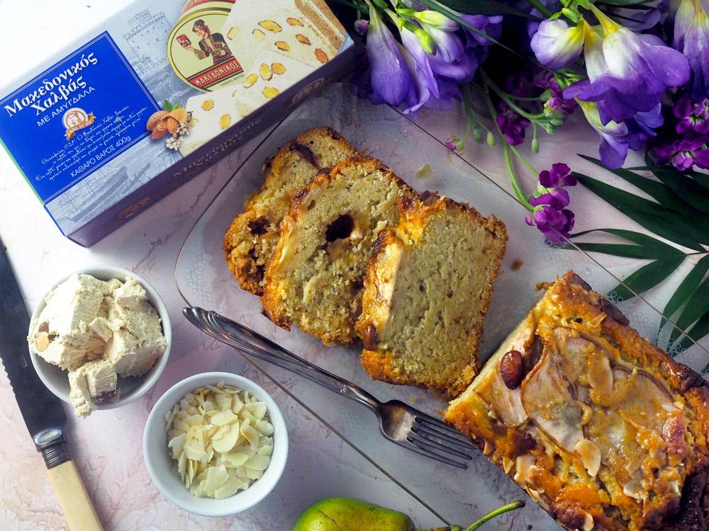 κέικ-αχλάδι-χαλβάς-αμύγδαλα-2.jpg