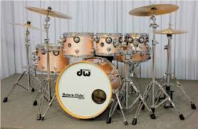 "DW Collector Series 6-piece Drum Kit - Complete with Zildjian 14"" Hats, 2 crashes, ride and China cymbals. 2 Kick Drum options: 20"" and 22"""