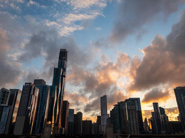 Chicago, you've been lovely.  #chicago #chicagoland #chicagoart #chicagoarchitecture #sunset #sunsetcruise #moody #moodyphotography #chicagophotographer #photography #photooftheday