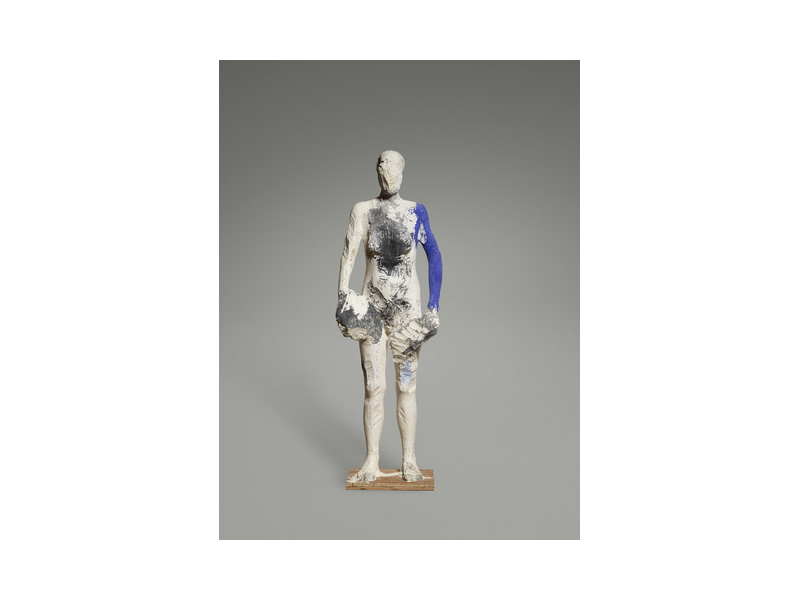 Manuel Neri,  M.J. Series III  (1989). Plaster, dry pigments, steel armature, Styrofoam core, burlap; 171.45 x 55.88 x 27.94 cm (67 1/2 x 22 x 11 in.). Photo credit: Yale University Art Gallery.  Courtesy of the artist and Hackett / Mill, San Francisco .