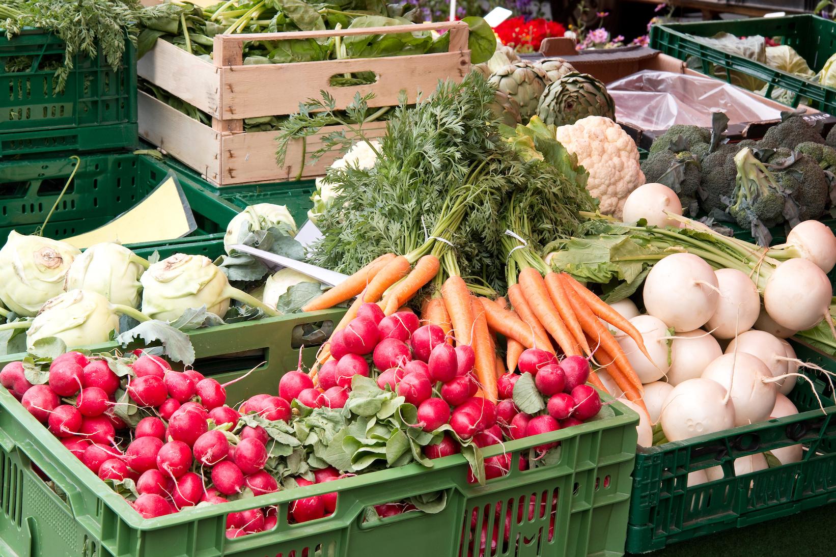 ThisOutsideLife-FarmersMarket..jpg