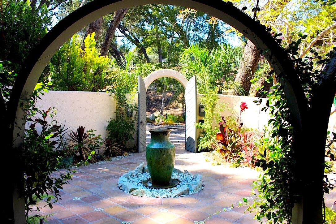 courtyard front copy.jpg