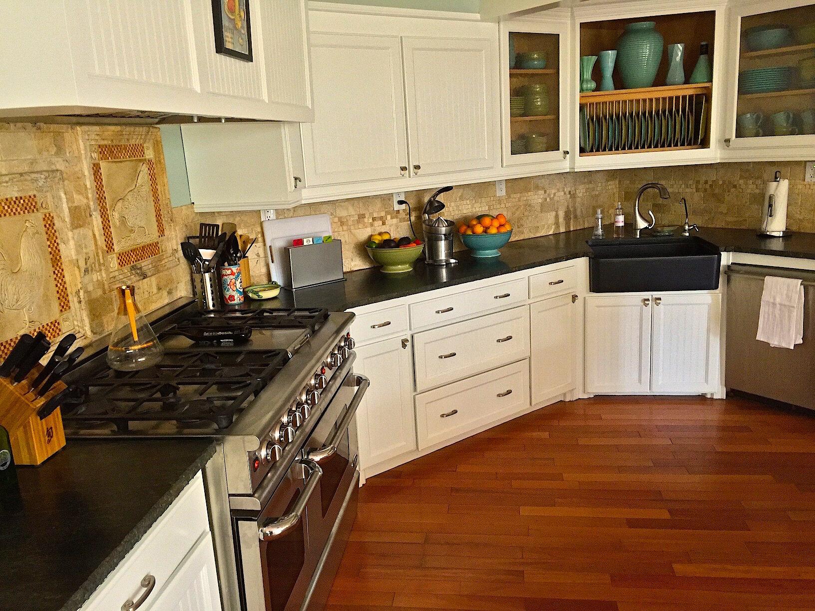 Kitchen Oven Zoe.jpg
