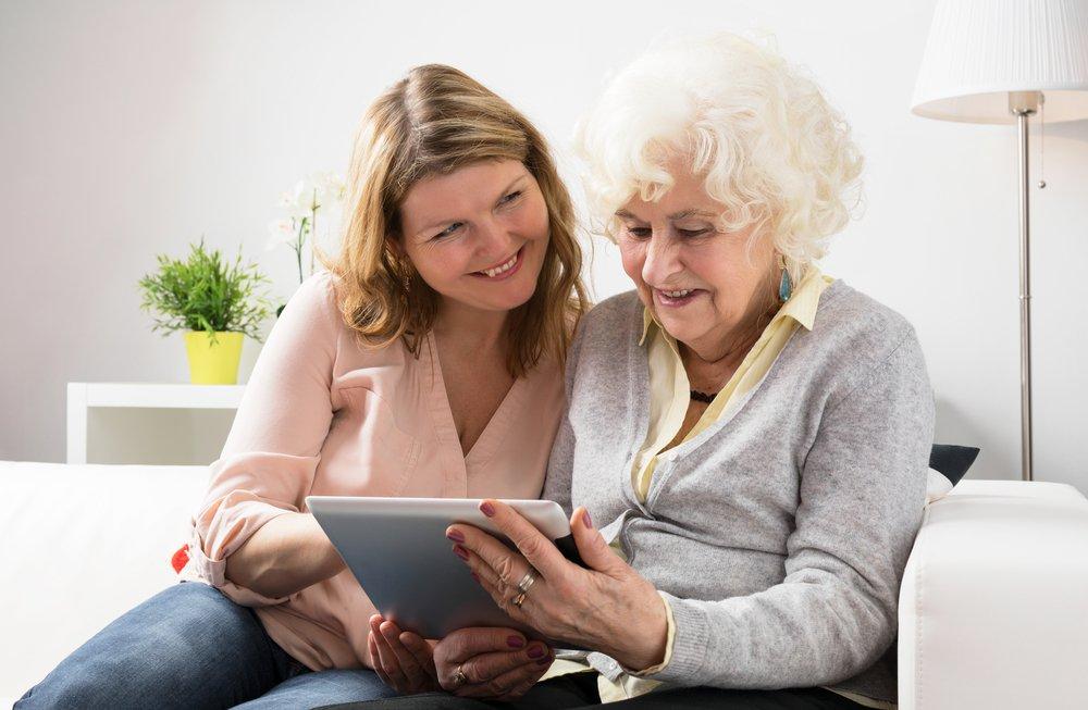 elderly_iPad_technology_daughter.jpg