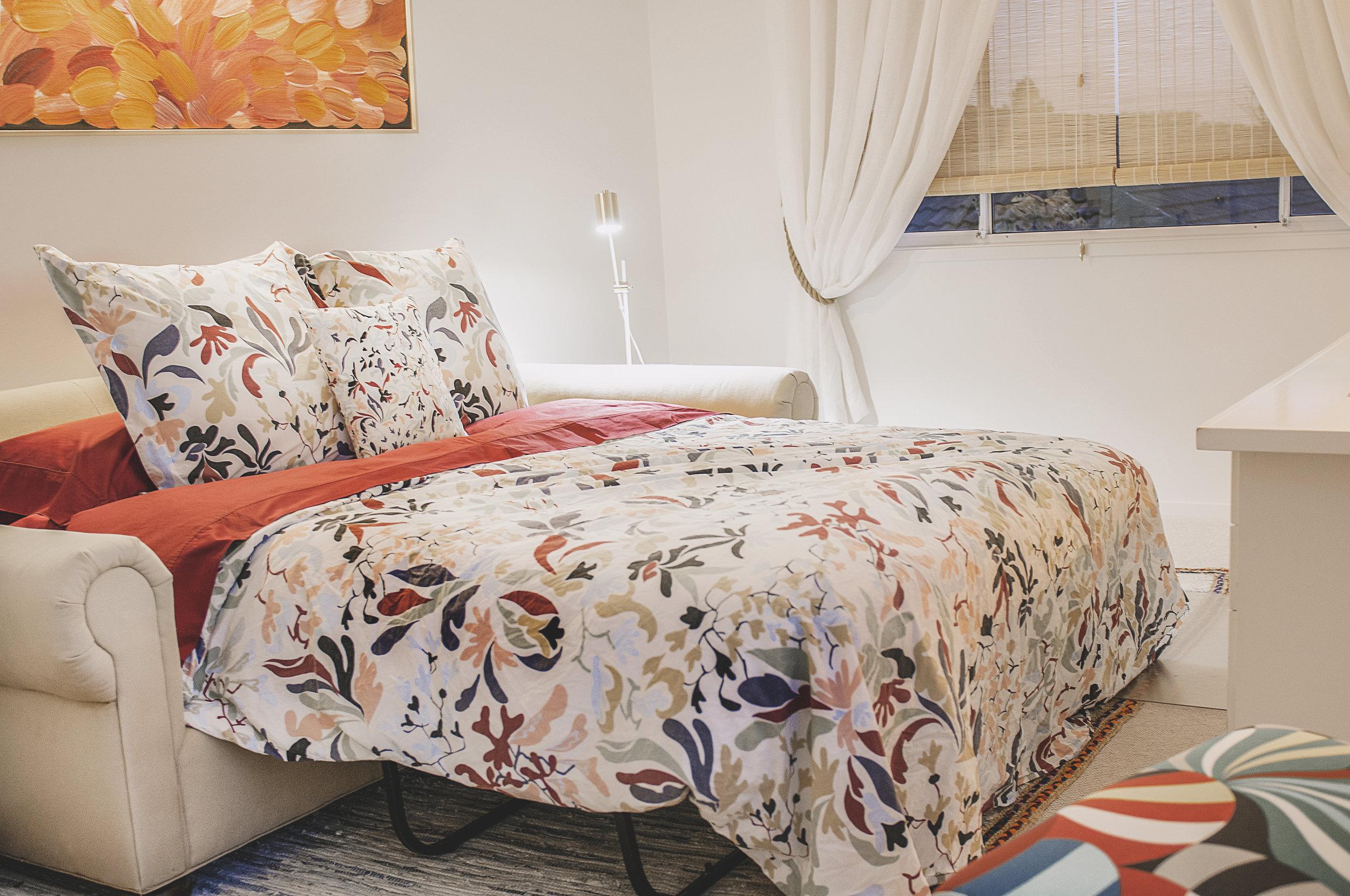 Barellen 12 Bedroom 6 Office Queen Sofa Bed DSC_6887.jpg