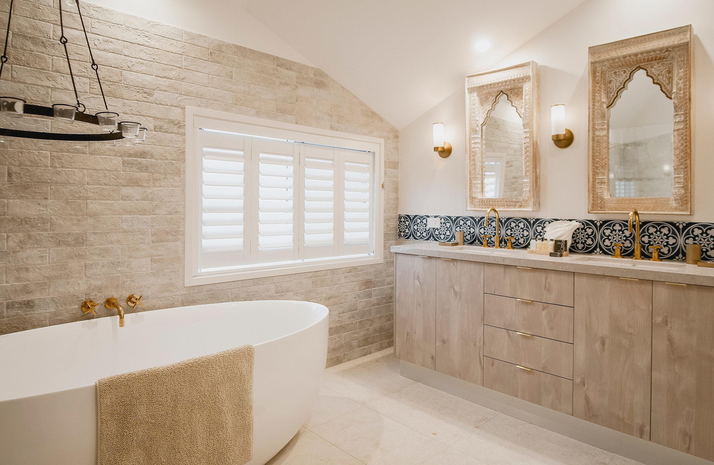 Barellen-7-Bedroom-1c-9-Master-Bathroom-2018-11-06-05.01.57.jpg
