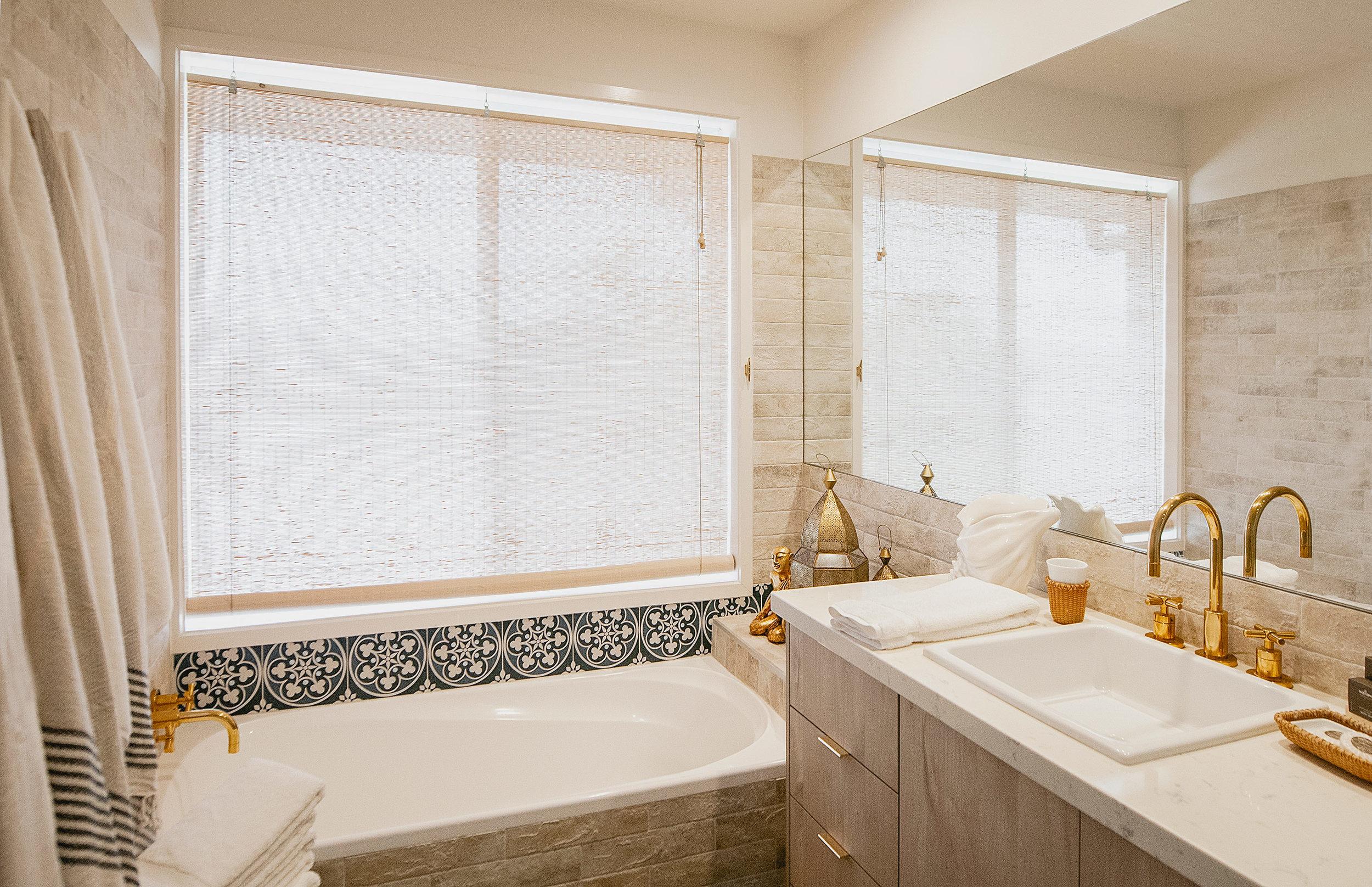 Barellen-13b-Guest-Bathroom---Upstairs-2018-11-05-12.28.51.jpg