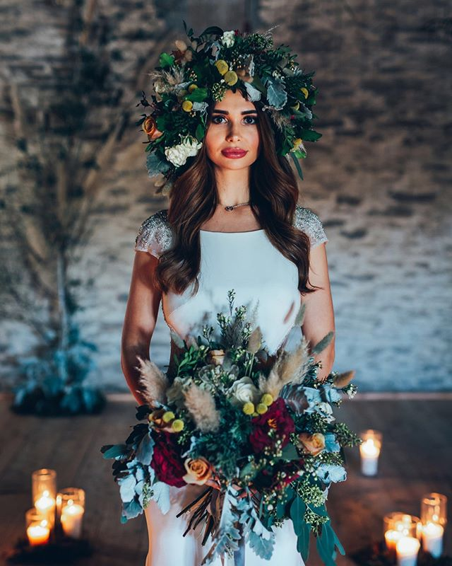 I absolutely LOVE this bold flower crown and bouquet by @thevelvetdaisy from a recent shoot organised by Hazel from @outoftheordinaryweddings which took place at @trenderwayweddings⠀⠀⠀⠀⠀⠀⠀⠀⠀ ⠀⠀⠀⠀⠀⠀⠀⠀⠀ Flowers can play a HUGE part in your wedding day! Not just for on the day but can also be used to decorate all your wedding stationery! Painting flowers is one of my favourite things to do-especially from life as I get to keep them after 😁 ⠀⠀⠀⠀⠀⠀⠀⠀⠀ ⠀⠀⠀⠀⠀⠀⠀⠀⠀ Can you think of any other uses for flowers in your wedding?⠀⠀⠀⠀⠀⠀⠀⠀⠀ ⠀⠀⠀⠀⠀⠀⠀⠀⠀ Beautiful photo by @tobylowe_photography⠀⠀⠀⠀⠀⠀⠀⠀⠀ ⠀⠀⠀⠀⠀⠀⠀⠀⠀ Tap to see more suppliers