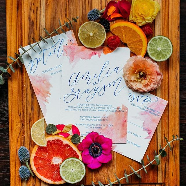 Are you ready to Tropic Like It's Hot?! We can't wait to see everyone at @theallenfarmhaus this Sunday for their summer open house! Come say hi and enjoy an afternoon full of good food, good drinks, a good time, and even better wedding vendors!