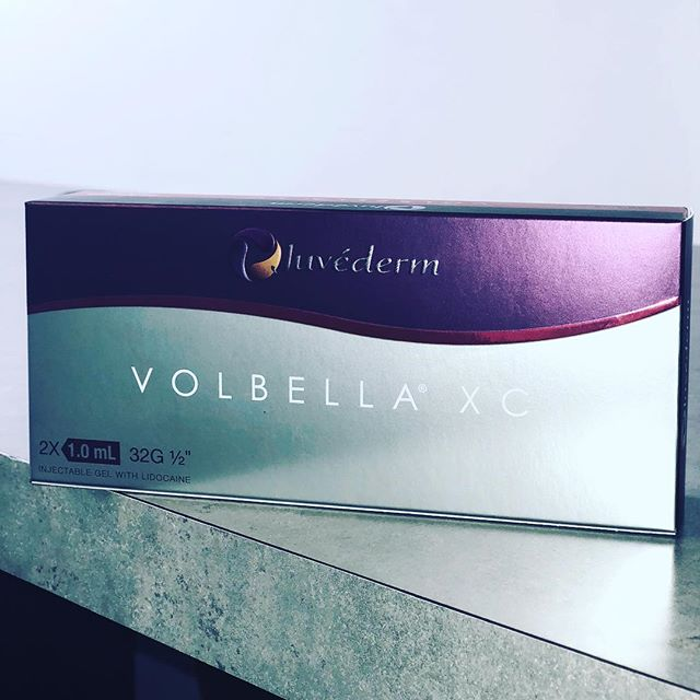 "Time for a giveaway ! The winner will  receive one full syringe of Volbella for the lips 👄  To enter 💋 1.⚡️Repost  2.Tag us and 3 of your besties 👯💁🏽. 3.Comment ""Lips""  Winner will be announced on Feb 19th ☝🏼 #santamonicagiveaway#fillers #volbella #ultherapy #skintightening #coolsculpting #losangeles #dermaplaning #dermatology"