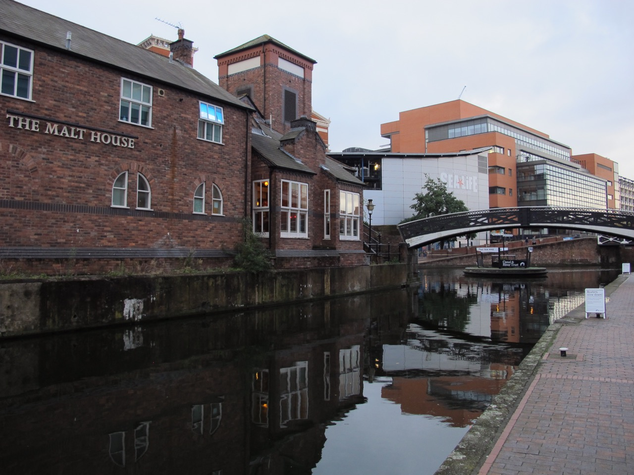 Birmingham_KevinFraser_Birmingham and Fazeley Canal.jpg