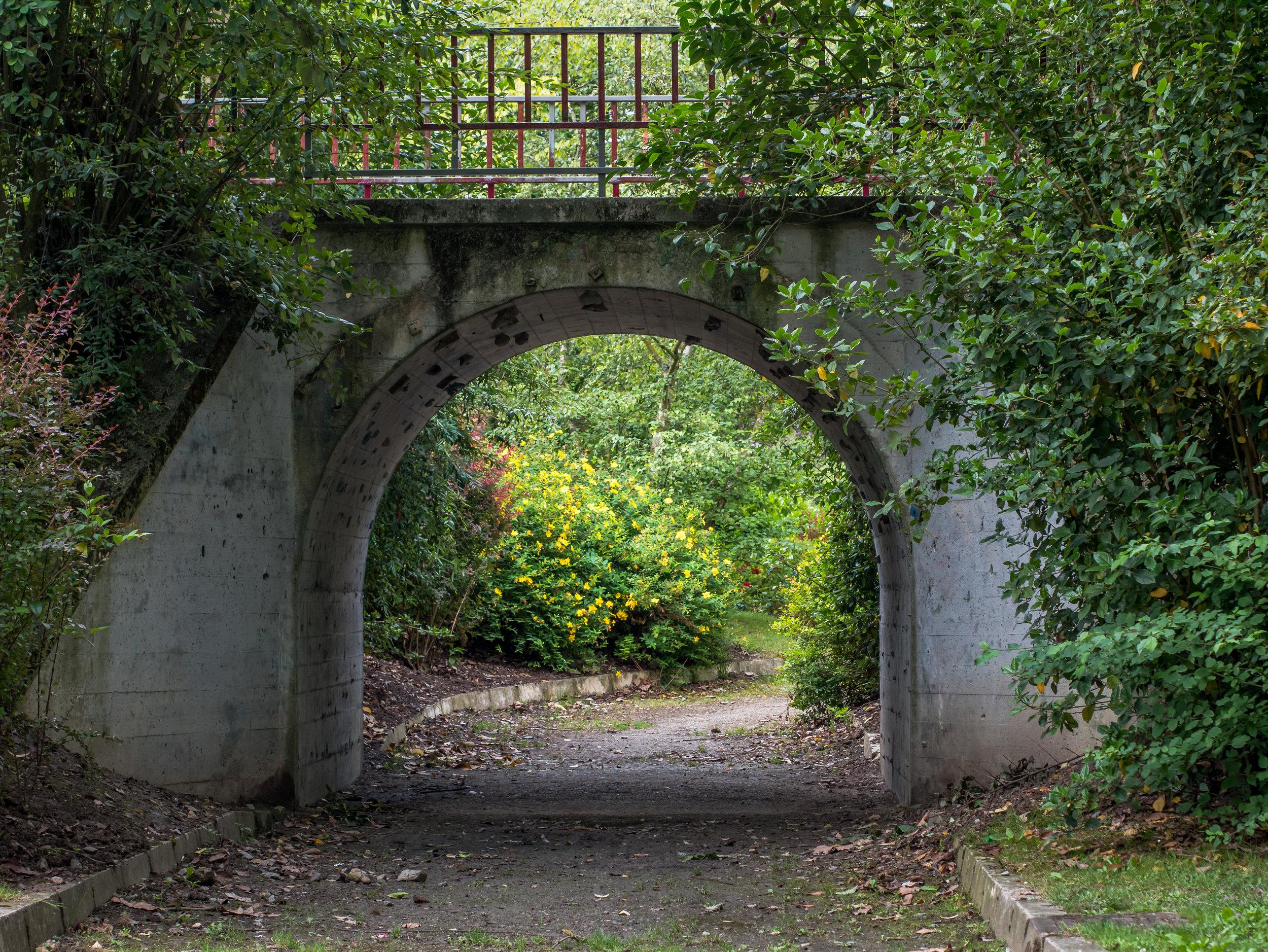 Vitoria_-_Parque_de_Arriaga_-_Puente_02.jpg