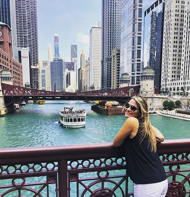 Perfect day in #Chicago 📍❤️'s the #chicagoriverwalk  #chitown #windycity #chicagoillinois #river #city #hotel #deepdishpizza #travel #travelusa #travelphotography #travelblogger #traveling #travelholic #travelholic #travelguide #travelplanner #redpinit #getaway #escape #vacay #vacation #vacationmode #travellife #honeymoon #travelphoto #follow #followme